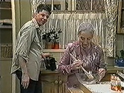 Joe Mangel, Mary Crombie in Neighbours Episode 1023