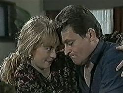 Jane Harris, Des Clarke in Neighbours Episode 1025
