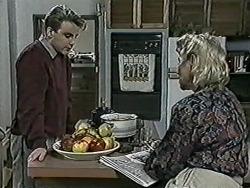 Nick Page, Helen Daniels in Neighbours Episode 1025