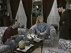 Matt Robinson, Sharon Davies, Hilary Robinson in Neighbours Episode 1025