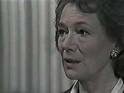 Robyn Taylor in Neighbours Episode 1027