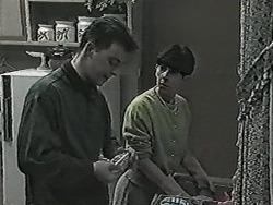 Matt Robinson, Hilary Robinson in Neighbours Episode 1028