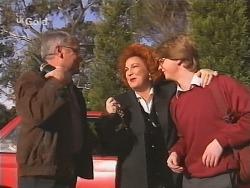 Lou Carpenter, Cheryl Stark, Brett Stark in Neighbours Episode 2462