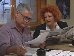 Lou Carpenter, Cheryl Stark in Neighbours Episode 2487
