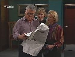 Lou Carpenter, Jen Handley, Helen Daniels in Neighbours Episode 2487