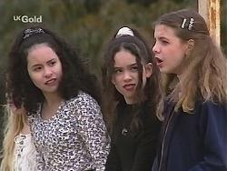 Phoebe Boyd, Zoe Tan, Hannah Martin in Neighbours Episode 2487