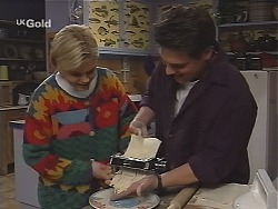 Joanna Hartman, Mark Gottlieb in Neighbours Episode 2489