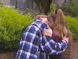 Lance Wilkinson, Hannah Martin in Neighbours Episode 2490