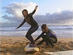 Libby Kennedy, Sonny Hammond in Neighbours Episode 2491