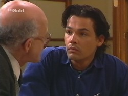 Colin Taylor, Sam Kratz in Neighbours Episode 2496