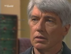 Patrick Kratz in Neighbours Episode 2498