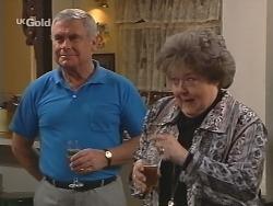Lou Carpenter, Marlene Kratz in Neighbours Episode 2502