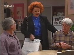 Lou Carpenter, Cheryl Stark, Patrick Kratz in Neighbours Episode 2506