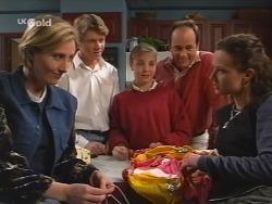 Jen Handley, Lance Wilkinson, Hannah Martin, Philip Martin, Cody Willis in Neighbours Episode 2508