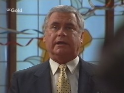 Lou Carpenter in Neighbours Episode 2512