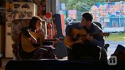 Sophie Ramsay, Chris Pappas in Neighbours Episode 6528