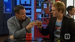 Paul Robinson, Andrew Robinson in Neighbours Episode 6528
