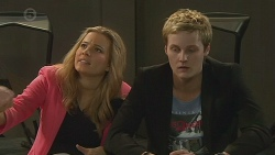 Natasha Williams, Andrew Robinson in Neighbours Episode 6529