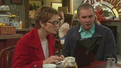 Susan Kennedy, Karl Kennedy in Neighbours Episode 6529