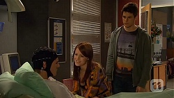 Andrew Robinson, Summer Hoyland, Chris Pappas in Neighbours Episode 6530