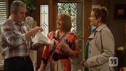 Karl Kennedy, Carmel Tyler, Susan Kennedy in Neighbours Episode 6531