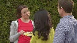 Kate Ramsay, Priya Kapoor, Paul Robinson in Neighbours Episode 6533