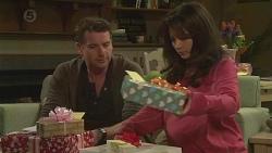 Lucas Fitzgerald, Vanessa Villante in Neighbours Episode 6533