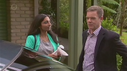 Priya Kapoor, Paul Robinson in Neighbours Episode 6534