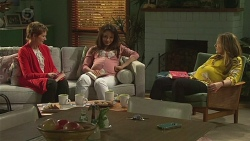 Summer Hoyland, Vanessa Villante, Sonya Mitchell in Neighbours Episode 6537