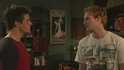 Chris Pappas, Andrew Robinson in Neighbours Episode 6538