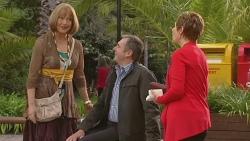 Carmel Tyler, Karl Kennedy, Susan Kennedy in Neighbours Episode 6538