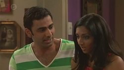 Ajay Kapoor, Priya Kapoor in Neighbours Episode 6540