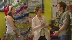 Summer Hoyland, Susan Kennedy, Brent Mulray in Neighbours Episode 6540