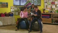 Vanessa Villante, Summer Hoyland, Lucas Fitzgerald in Neighbours Episode 6541