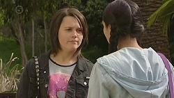 Sophie Ramsay, Rani Kapoor in Neighbours Episode 6544