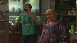 Chris Pappas, Sheila Canning in Neighbours Episode 6546