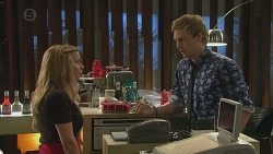 Natasha Williams, Andrew Robinson in Neighbours Episode 6546