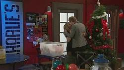 Natasha Williams, Andrew Robinson in Neighbours Episode 6547