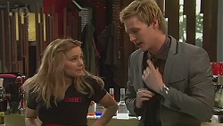 Natasha Williams, Andrew Robinson in Neighbours Episode 6547