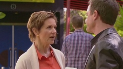 Susan Kennedy, Paul Robinson in Neighbours Episode 6547