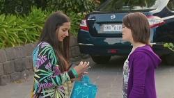 Rani Kapoor, Sophie Ramsay in Neighbours Episode 6548