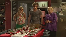 Georgia Brooks, Kyle Canning, Sheila Canning in Neighbours Episode 6550