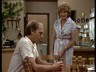 Fred Mitchell, Madge Mitchell in Neighbours Episode 0249