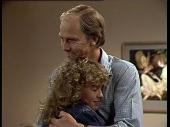 Charlene Mitchell, Fred Mitchell in Neighbours Episode 0249