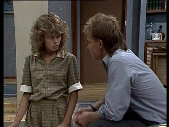 Charlene Mitchell, Scott Robinson in Neighbours Episode 0249