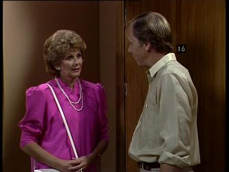 Madge Bishop, Fred Mitchell in Neighbours Episode 0249