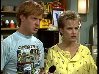 Clive Gibbons, Daphne Lawrence in Neighbours Episode 0249