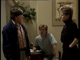 Tom Ramsay, Clive Gibbons, Daphne Clarke in Neighbours Episode 0251