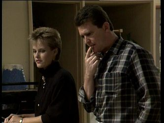 Daphne Clarke, Des Clarke in Neighbours Episode 0251