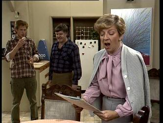 Clive Gibbons, Tom Ramsay, Eileen Clarke in Neighbours Episode 0251